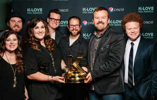 Casting Crowns receives 2013 K-Love Fan Award for Group/Duo of the Year