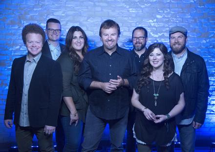 Casting Crowns (L to R): Brian Scoggin, Josh Mix, Megan Garrett, Mark Hall, Juan DeVevo, Melodee DeVevo, Chris Huffman.  – Photo Credit: David Dobson